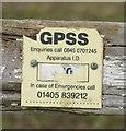 TL1585 : GPSS pipeline marker by Andrew Tatlow