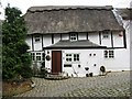 SP8812 : Pegg House, Peggs Lane, Buckland by Chris Reynolds