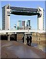 TA1028 : River Hull tidal surge barrier : Week 13