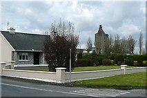 R7745 : Kilduff castle by Graham Horn