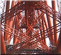 NT1380 : The guts of the Forth Bridge by Simon Johnston