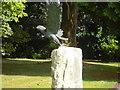 SU7491 : An impressive Monument by Leonard Harding
