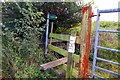 SP4613 : Stile on the footpath to the A44 at Begbroke by Steve Daniels
