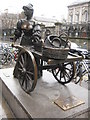 O1633 : Statue of Molly Malone by Philip Halling