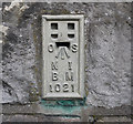 J2968 : Flush Bracket, Dunmurry by Rossographer