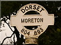SY8089 : Moreton: finger-post detail by Chris Downer