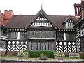 SO8698 : Wightwick manor by Carol Walker