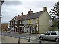 TL1439 : The Black Swan, Shefford by Ken Ripper
