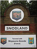 TQ7062 : Close-up of Snodland Village Sign by David Anstiss