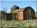 TG4000 : Derelict drainage pump east of Ferry Road, Nogdam by Evelyn Simak