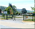 SO5112 : Entrance to Kymin View Primary School &amp; Nursery, Wyesham by John Grayson
