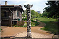 SU4991 : Totem Pole at the Field Centre by Des Blenkinsopp