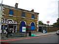 TQ1878 : Kew Bridge railway station by Stacey Harris