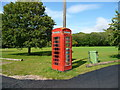 SU3044 : Amport - Telephone Box by Chris Talbot