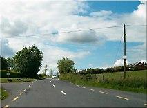 N7799 : Minor cross roads on the R162 south of Drumbrackan by Eric Jones