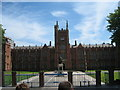 J3372 : Queen's University Belfast by Puffer