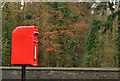 J2458 : Letter box, Hillsborough by Albert Bridge