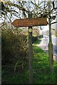 SU2199 : Fingerpost in High Street, Lechlade on Thames by P L Chadwick