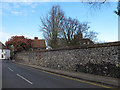 TR3358 : Flint wall, Knightrider Street. by Stephen Craven