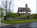 TQ5443 : Lodge on Penshurst Road, Printstile by Ian Yarham