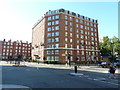 TQ2878 : Building on the corner of Buckingham Palace Road and Pimlico Road by Alexander P Kapp