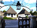 SP6100 : Cottages and Lantern, Little Milton : Week 38