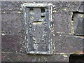 SE1602 : Ordnance Survey Flush Bracket 730 by Peter Wood