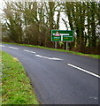 SP0000 : A433 junction ahead SW of Cirencester by John Grayson
