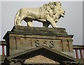 SE1416 : Lion Arcade, Huddersfield by Dave Pickersgill