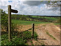 SE6573 : The start of the footpath, by the side of the road : Week 19