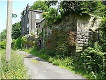 SE0023 : Castle Gate at the foot of the footpath up to Cragg Road by Humphrey Bolton