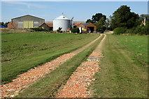 SP9747 : Footpath to West End Farm by Philip Jeffrey