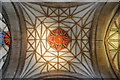 SO8932 : Ceiling of Tewkesbury Abbey by Philip Halling