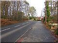 SU8363 : Sandhurst Road, Crowthorne by Alan Hunt