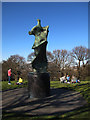 TQ3877 : Henry Moore sculpture in Greenwich Park by Stephen Craven