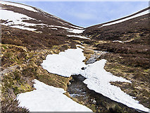 NO0378 : Ascent towards the col between Carn an Righ and Màm nan Carn by William Starkey