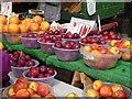 TQ3265 : Croydon:  Surrey Street market : Week 36