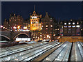 NT2573 : Edinburgh Waverley Station roof at night by Paul Harrop
