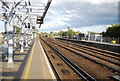 TQ6745 : South Eastern Main Line, Paddock Wood Station by N Chadwick