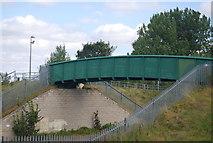 SE3156 : Footbridge over the Railway Line by N Chadwick