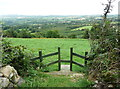 S4328 : Stile on the field path descending from Kilmacoliver Hill by Humphrey Bolton
