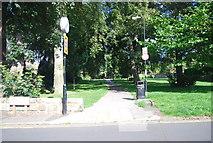 SE3055 : Footpath off Harcourt Rd by N Chadwick