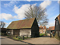 SP7301 : Wooden Barn, Sydenham by Des Blenkinsopp
