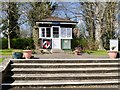 SU9677 : Lock Keepers' Hut, Romney Lock by David Dixon