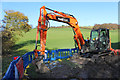 SU7891 : Digging by the Footpath by Des Blenkinsopp
