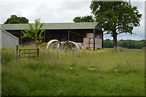 TQ5346 : Barn, Price's Farm by N Chadwick