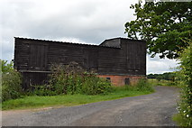 TQ5247 : Disused oast, Wickhurst Farm by N Chadwick