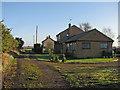 TL5781 : Hawthorn Farm and Bank Farm by John Sutton