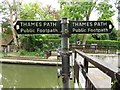 SU8284 : Thames Path signs by Hurley Lock by Steve Daniels
