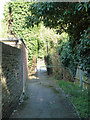 TQ2798 : Footpath from  Kingwell Road to Cockfosters Road, Hadley Wood by Robin Webster